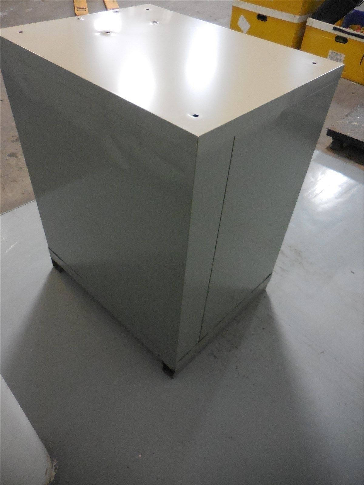 Used Lista 5 Drawer Cabinet 36 Inches Tall 22 Inches Wide